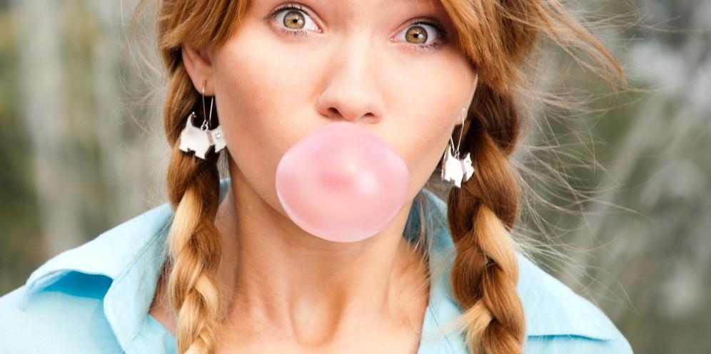 Guma de mestecat pentru dinti mai sanatosi – Adevarat sau fals?